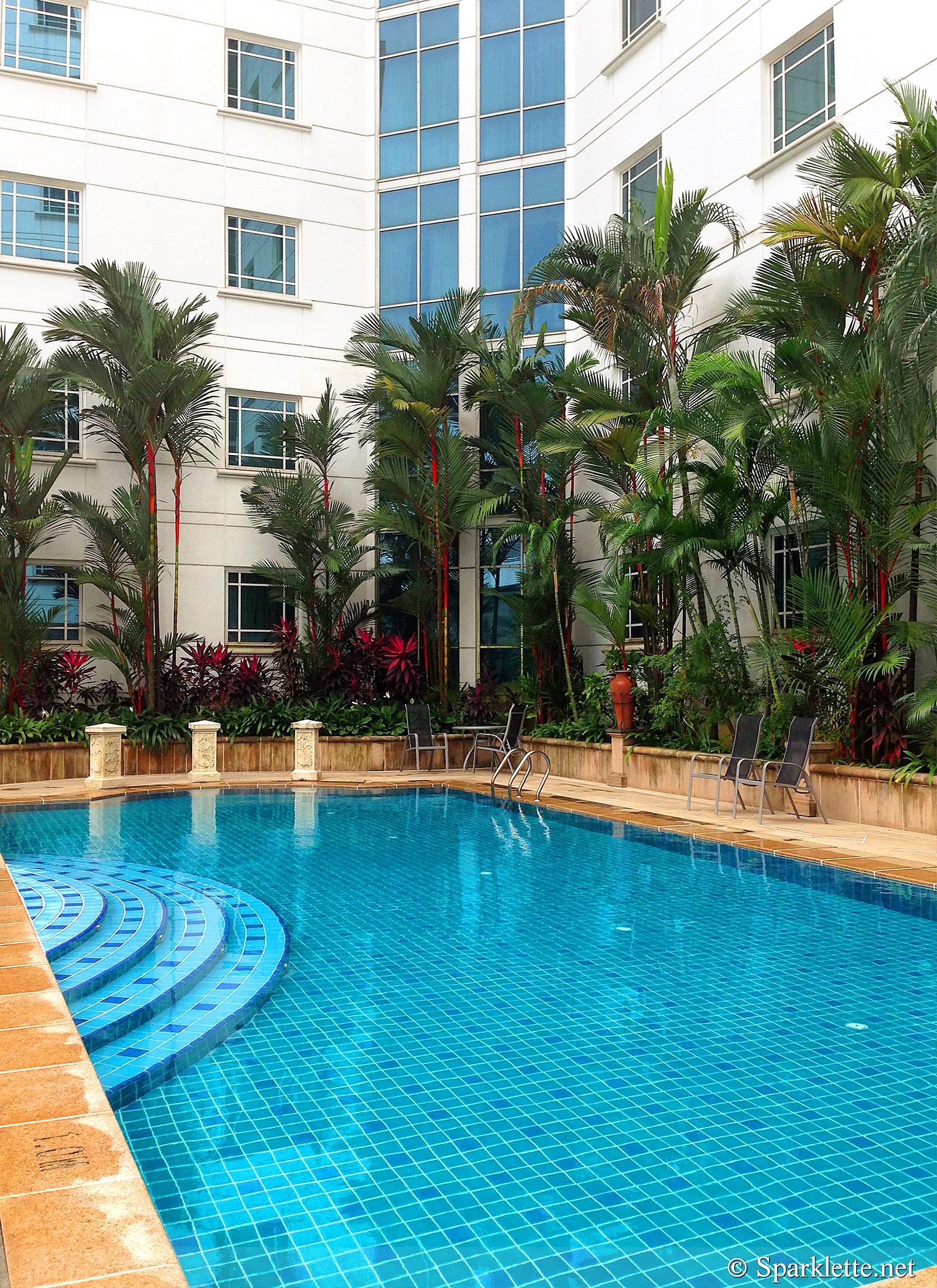 Rendezvous Hotel Swimming Pool