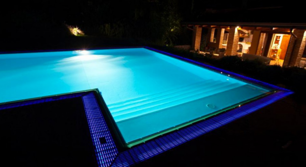 LED Pool Lights Vs Fiber Optic Pool Lights   Swimming Pool ...